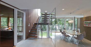 Лестница в интерьере: фото дизайнерских идей по декорированию ступенчатых конструкций