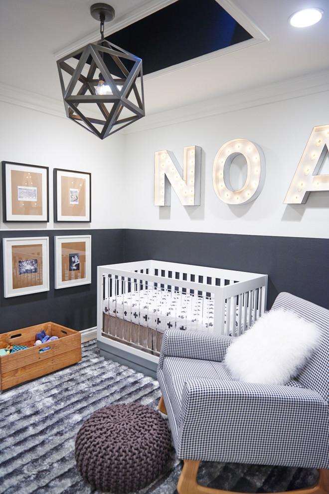 Красивый буквенный декор стены в помещения