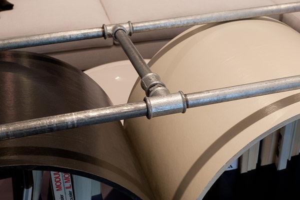 Чудесный стеллаж из картонных труб LIBRA
