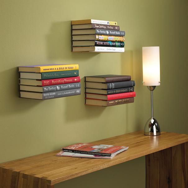 Невидимые настенные полки для хранения книг