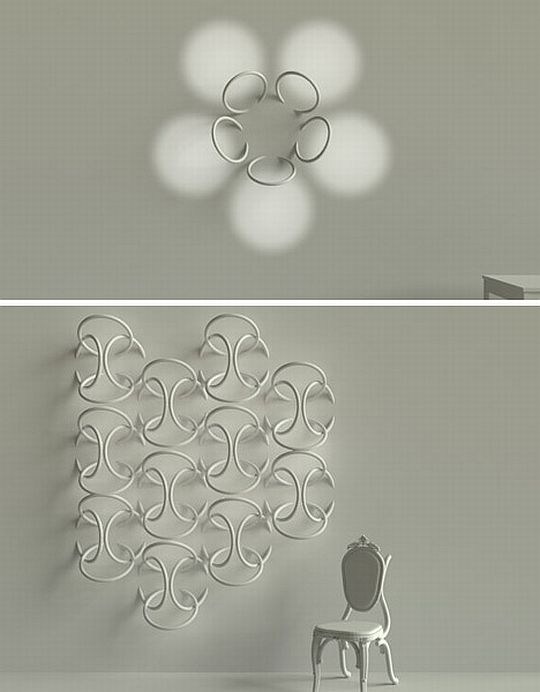 Кольца, вмонтированные в стену в форме цветка