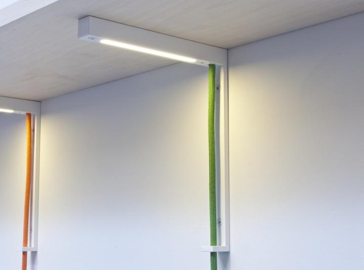 Удивительные светильники Lightbracket от ALEXALLEN STUDIO для офисных помещений
