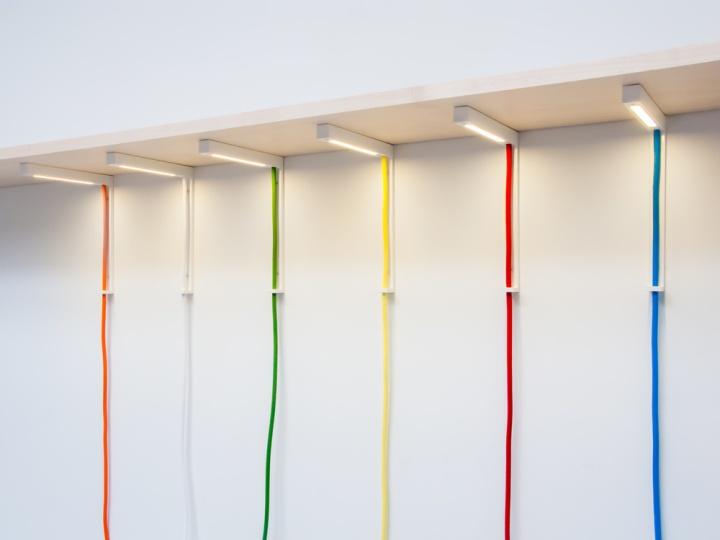 Красивые светильники Lightbracket от ALEXALLEN STUDIO для офисных помещений