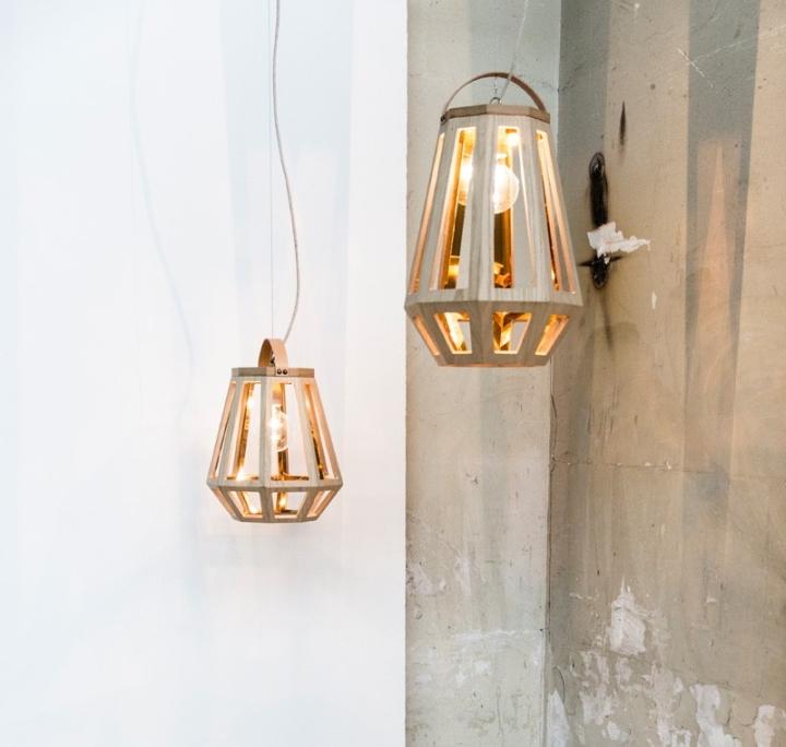 Прекрасный деревянный светильник из коллекции ZUID от Françoise Oostwegel