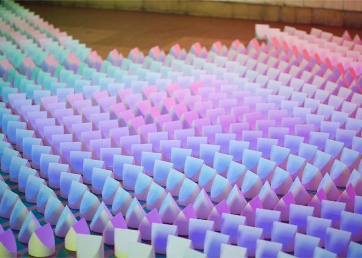 Цветная инсталляция света