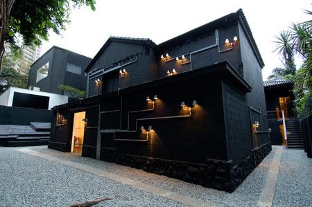 Необычный уличный светильник от Triptyque