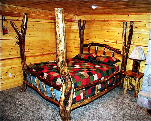 Кровать из бревен своими руками