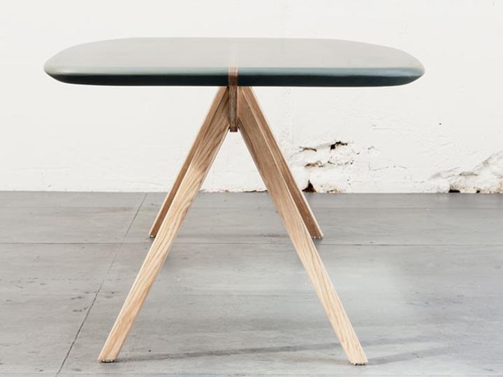 Прекрасные ножки дизайнерского стола