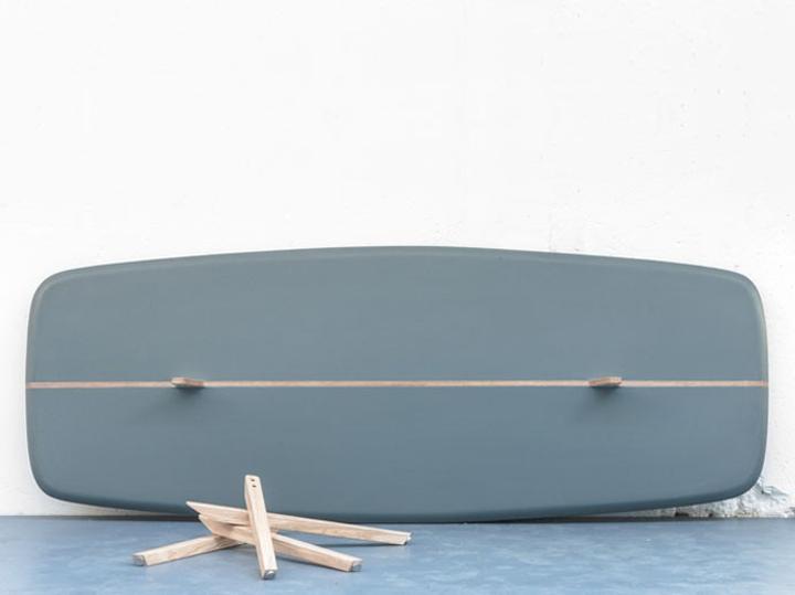 Превосходный стол в разобранном состояние