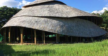 Крытый спортивный зал из бамбука в форме лотоса (Чиангмай,Таиланд)