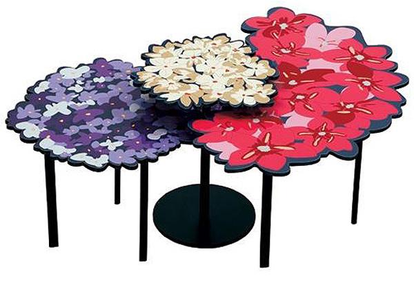 Столики Lomi & Lou Blossoming разных цветов и форм