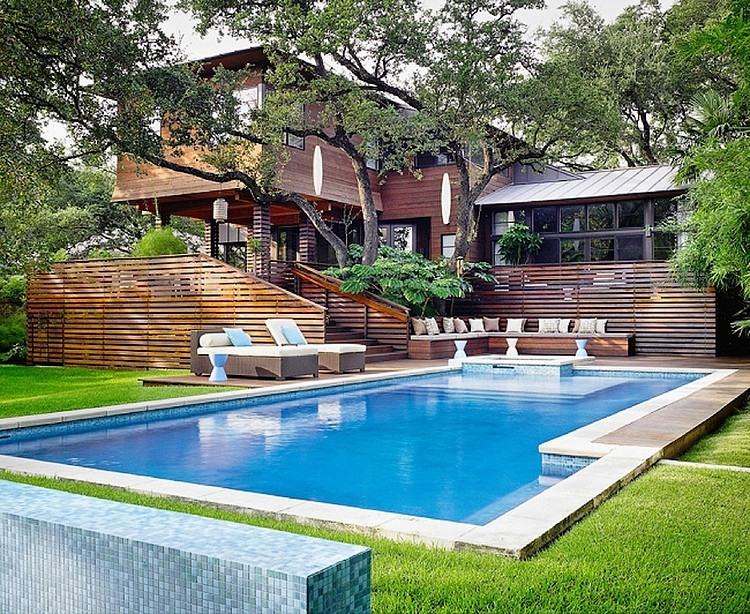 Бассейн у резиденции в Остине, Техас