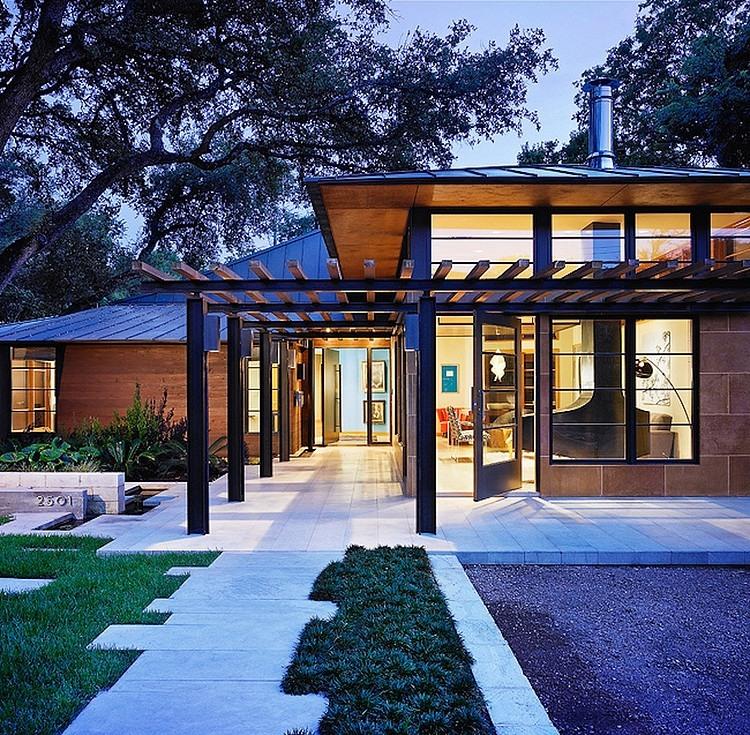 Дорожка к резиденции в Остине, Техас
