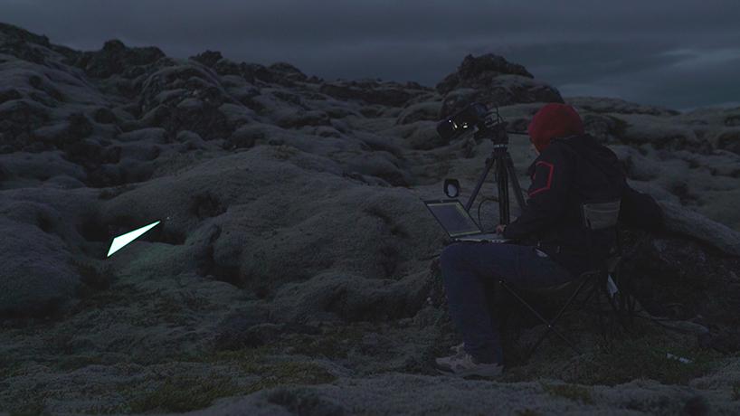 Световые скульптуры с эффектом меланхолии в серии фотографий и видео Lucid от студии 3hund