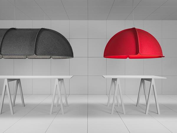 Объемные лампы красного и серого цвета