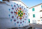 Мадмуазель Морис: новые радужные инсталляции из оригами в неожиданных местах