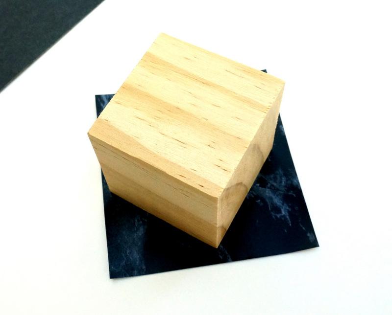 Декор контактной бумагой деревянного куба