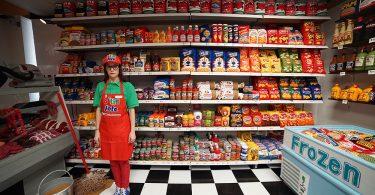 Люси Спарроу: супермаркет с эксклюзивными товарами ручной работы из войлока