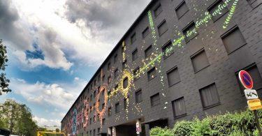 «Лунный цикл» от Мадемуазель Морис: масштабная фреска из оригами на здании, подготовленном под снос