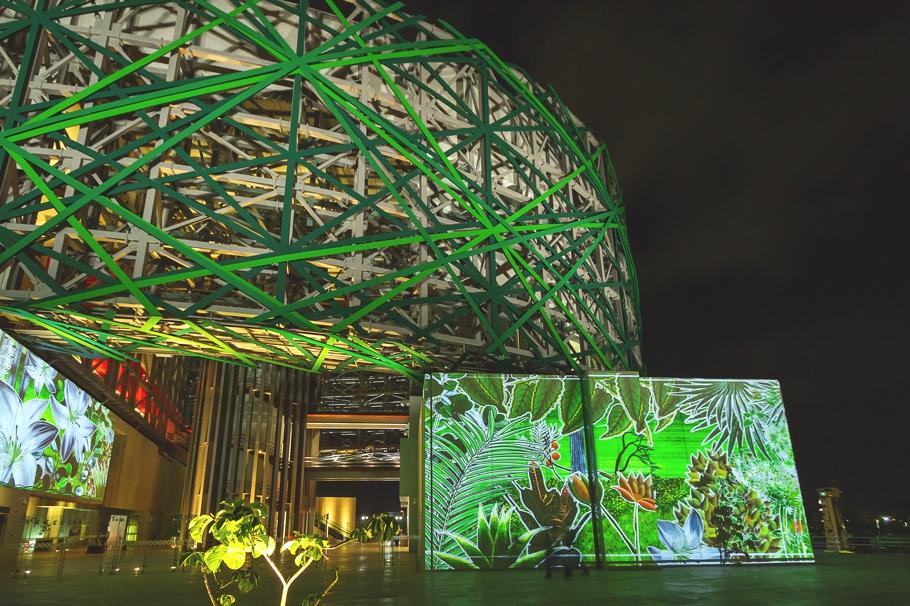 Чудное освещение Gran Museo del Mundo Maya в Мексике
