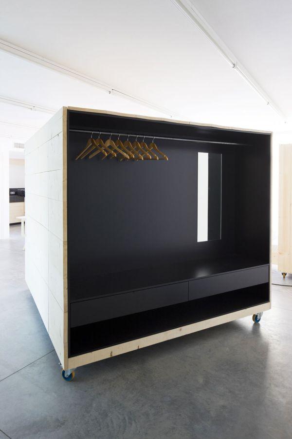 Система хранения верхней одежды от Harry Thaler для Museum of Modern and Contemporary Art