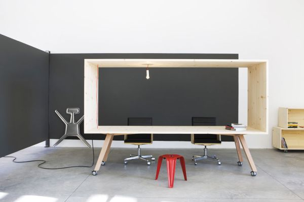 Рабочий стол от Harry Thaler для Museum of Modern and Contemporary Art