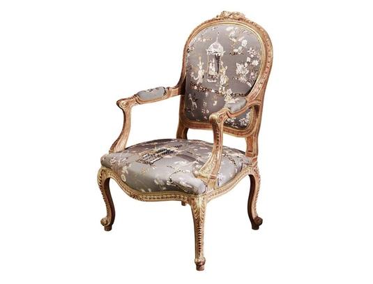 Роскошный стульчик от мастерской Armando Rho