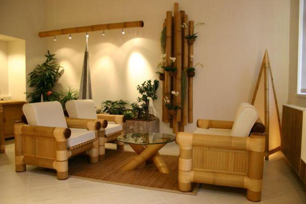 Бамбуковые кресла в интерьере зоны отдыха