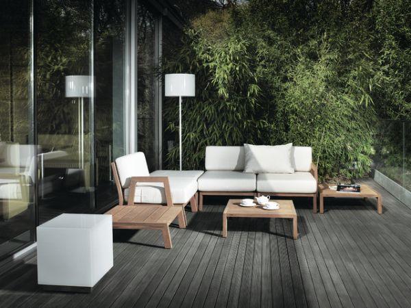 Красивые бамбуковые журнальные столики на террасе