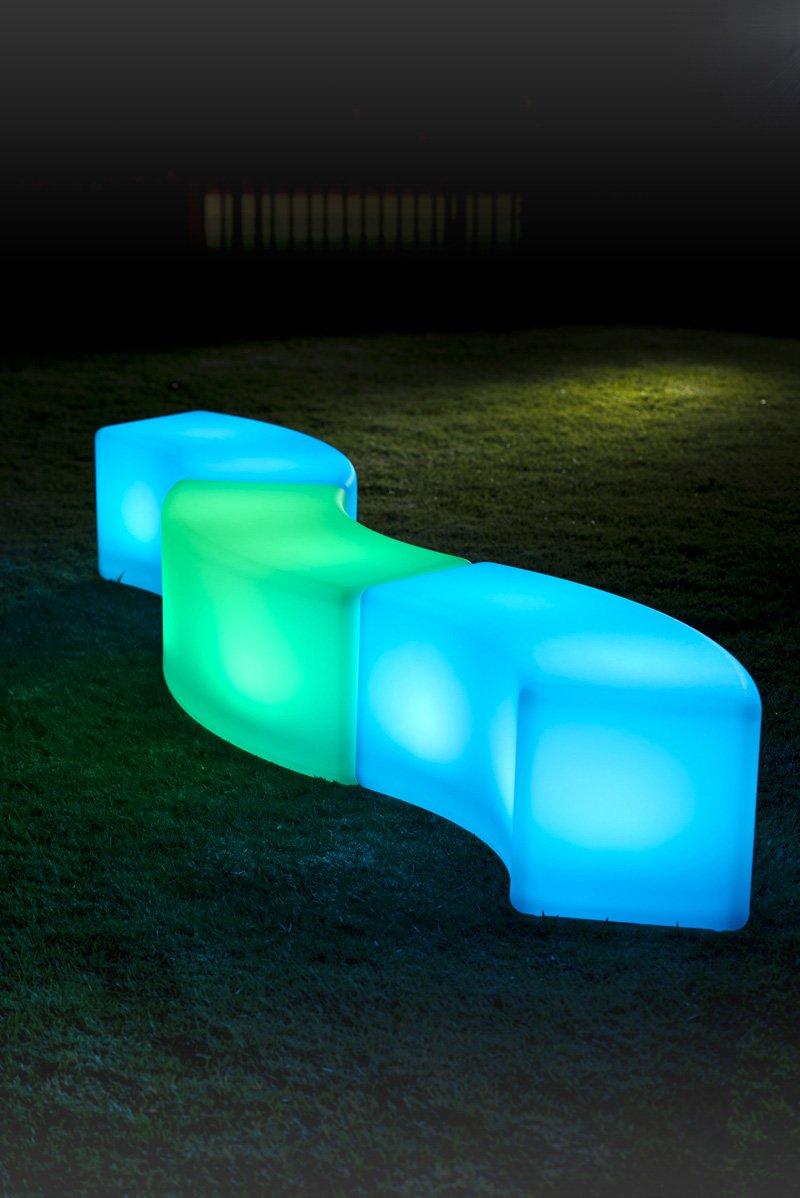 Чудесный предмет мебели с неоновой подсветкой
