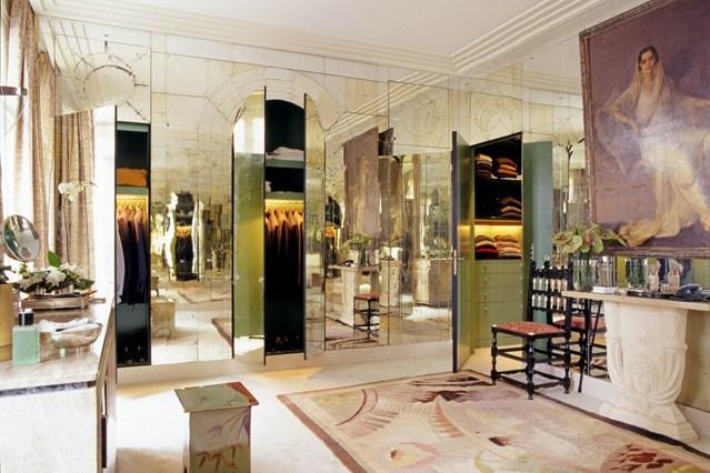 Зеркальные шкафы в интерьере