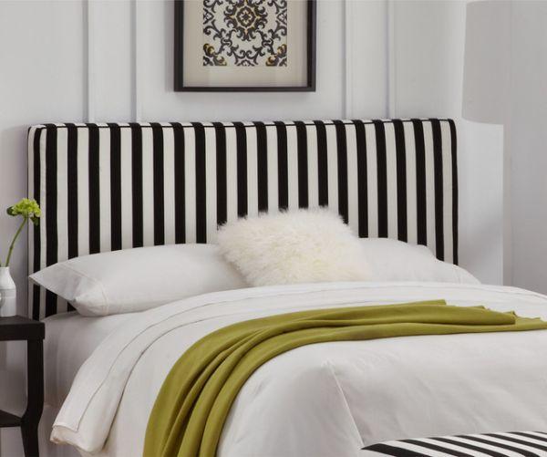 Изголовье кровати в спальной комнате