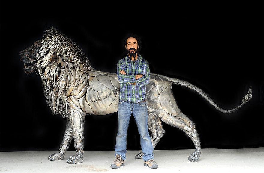 Скульптура льва от Сельчук Йылмаз (Selçuk Yılmaz), Стамбул, Турция