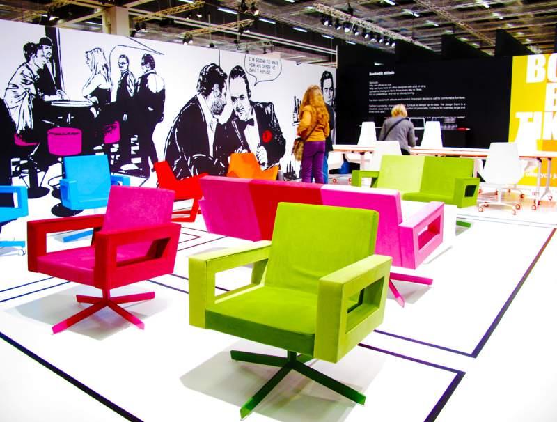 Яркие кресла на выставке Stockholm Design Week