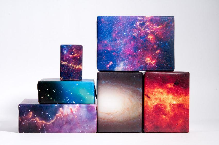 Космическая стилистика в дизайне подарочной упаковки от Galaxy