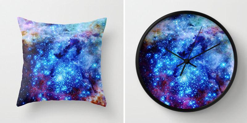 Фотоколлаж: изображение галактики в обивке подушки и оформлении настенных часов от 2 Sweet 4 Words