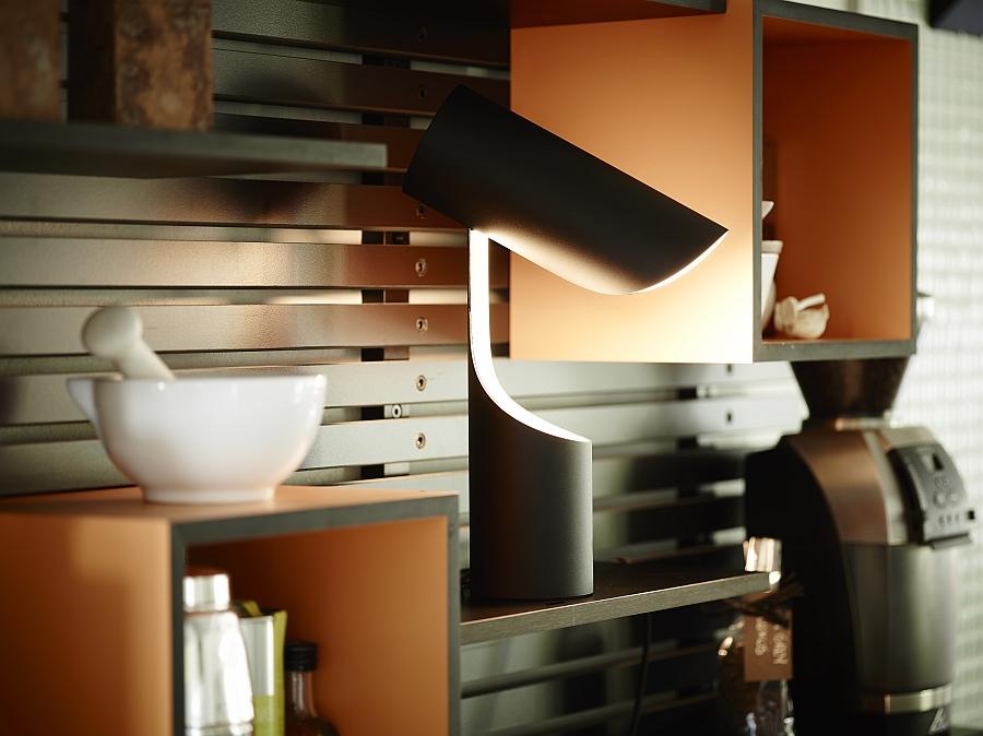 Красивый светильник Mutatio от Le Klint's в кабинете