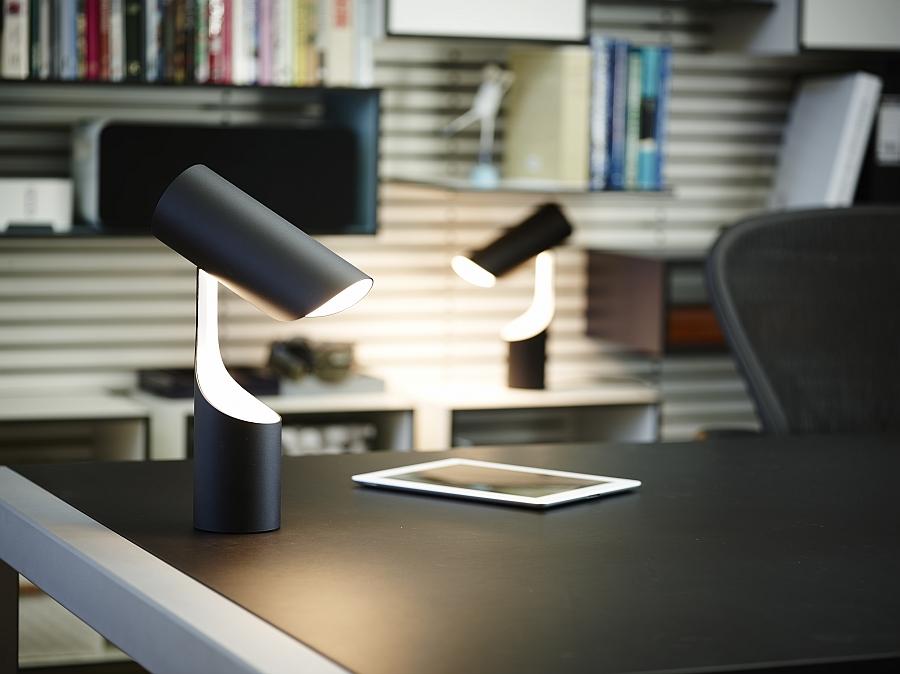 Необычный светильник Mutatio от Le Klint's в кабинете