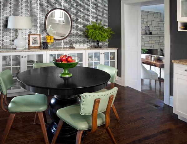 Великолепный интерьер столовой в мятном цвете