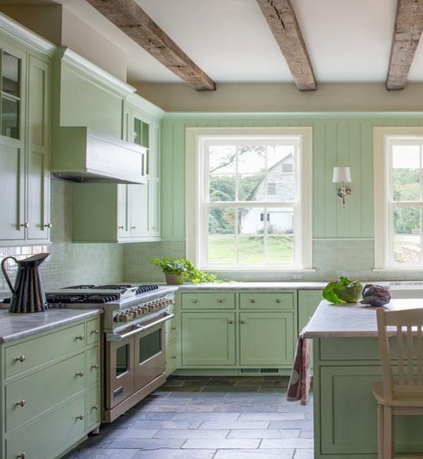Интерьер кухни в мятном цвете