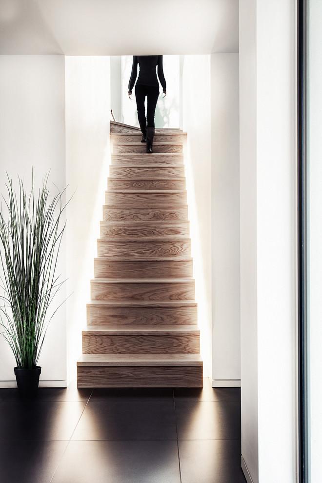 Светодиодная подсветка лестничных ступенек