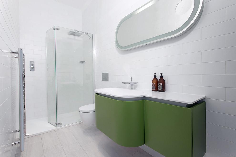 Белое оформление ванной комнаты