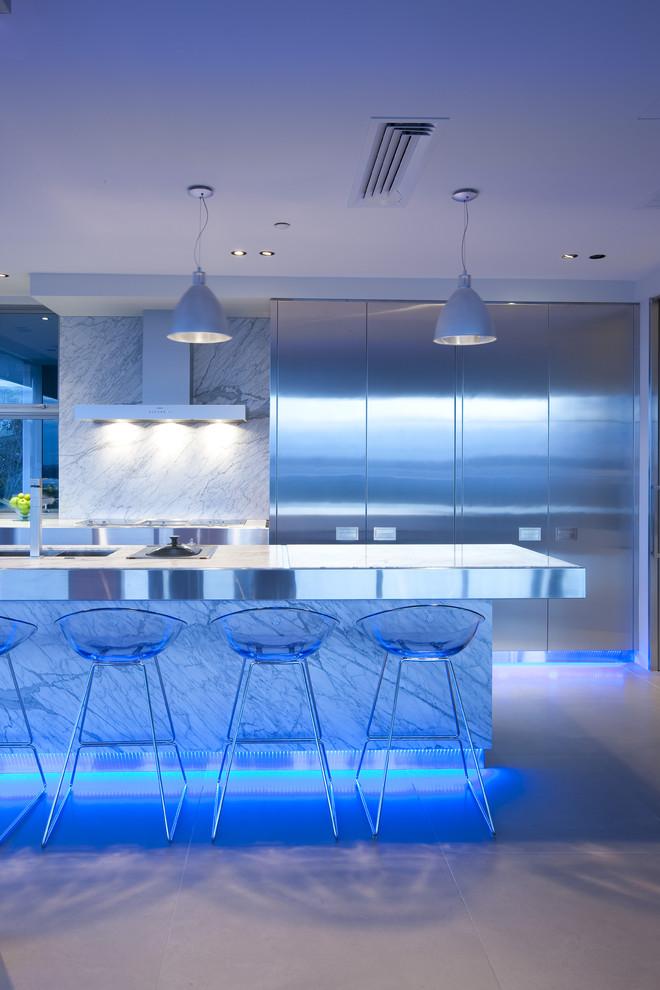 Неоновая подсветка кухонной зоны