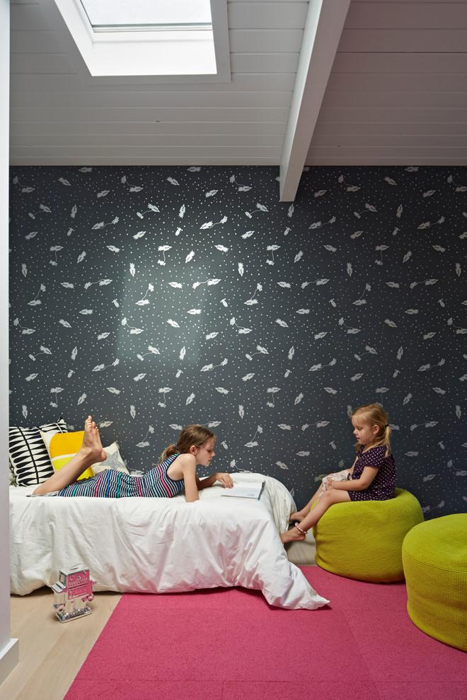 Обои с космическими кораблями в детской комнате