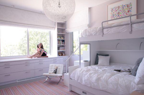 Модели двухъярусных кроватей: Детская для девочек в белом цвете
