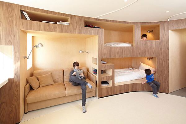Модели двухъярусных кроватей: Полукруглая конструкция в детской