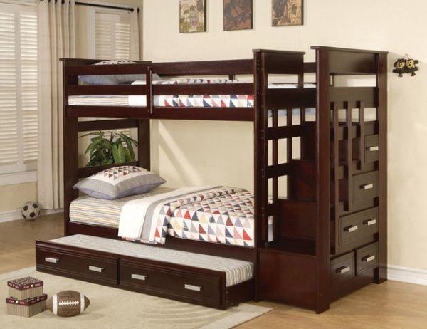 Модели двухъярусных кроватей: Роскошная деревянная кровать в детской