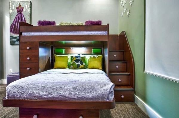Модели двухъярусных кроватей: Двухуровневая кровать со встроенными шкафчиками