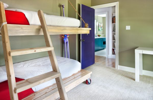Модели двухъярусных кроватей: Двухуровневая кровать с мобильным нижним ярусом