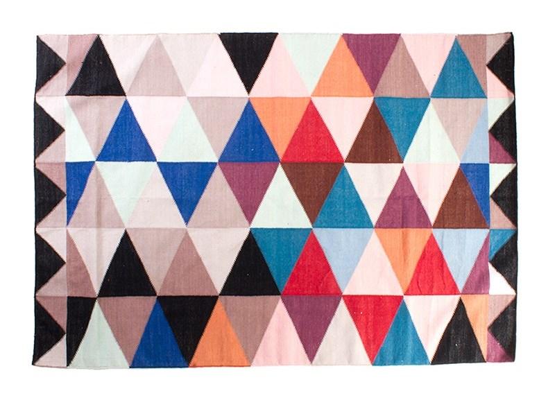 Геометрический рисунок на коврике